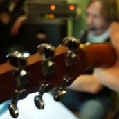 Musiker in einer Partyband